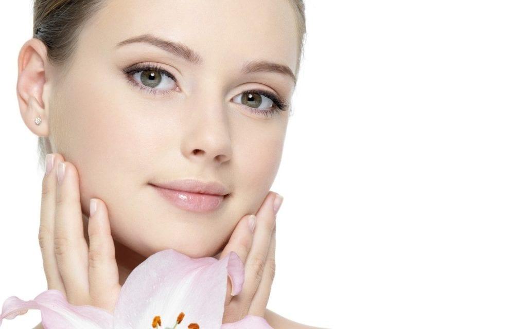 Tratament de intinerire cu fotorejuvenare faciala. Avantaje si riscuri